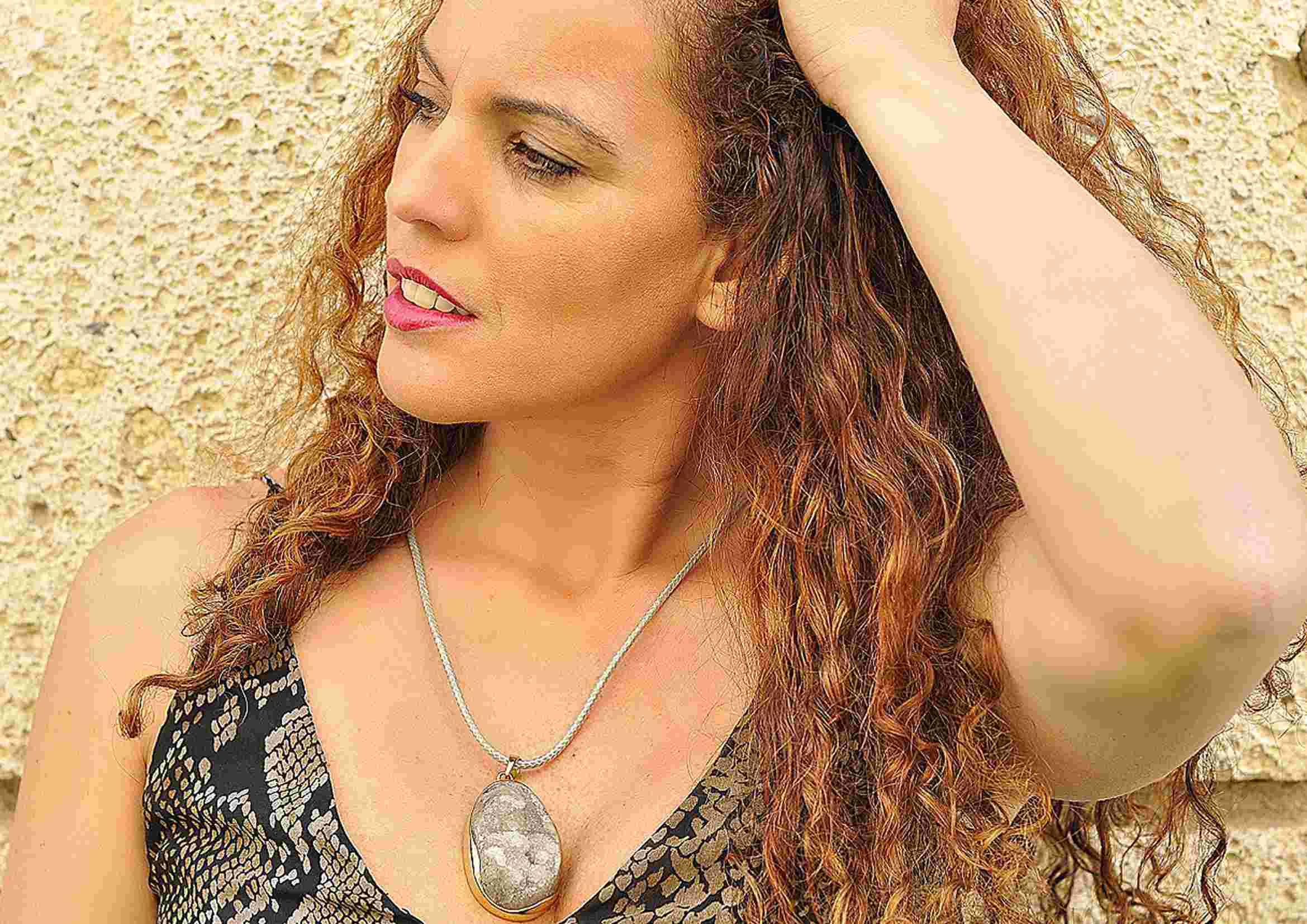 collar boho geoda de agata en bruto fascini di pietra